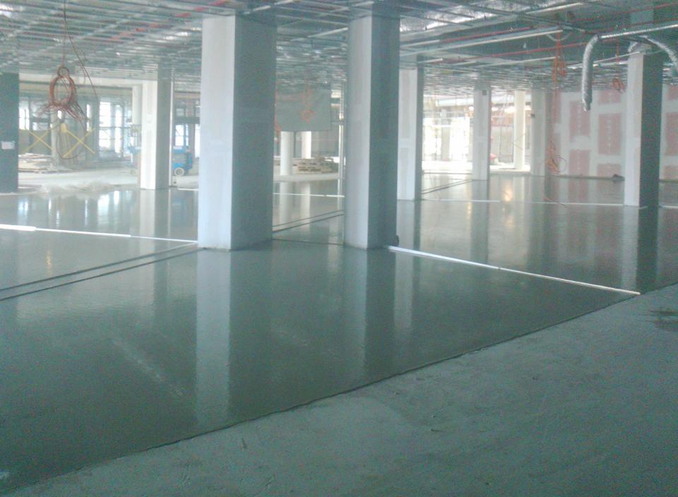 Cementové lité podlahy_Galerie Šantovka Olomouc (1)
